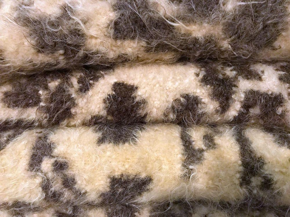 Wool carpet Romania, Calinesti