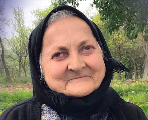 Porträtt av Viorica Heres, Cupseni, Romania - Doina singer