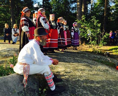 Helmine folk choir