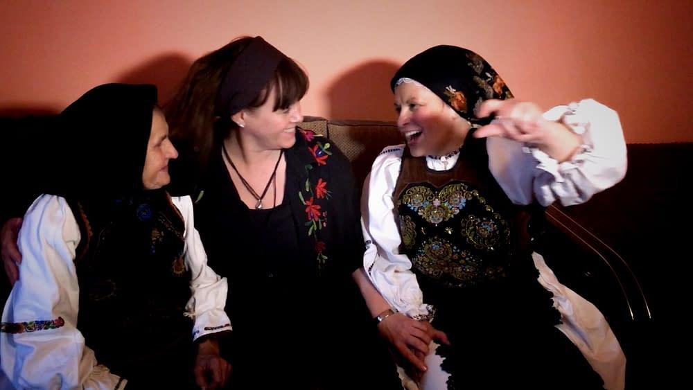 Världens minsta kulturhus på besök i Rumänien