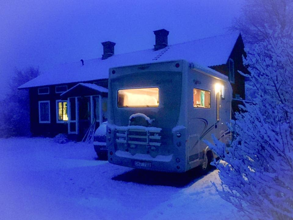 Mobile home, in winter
