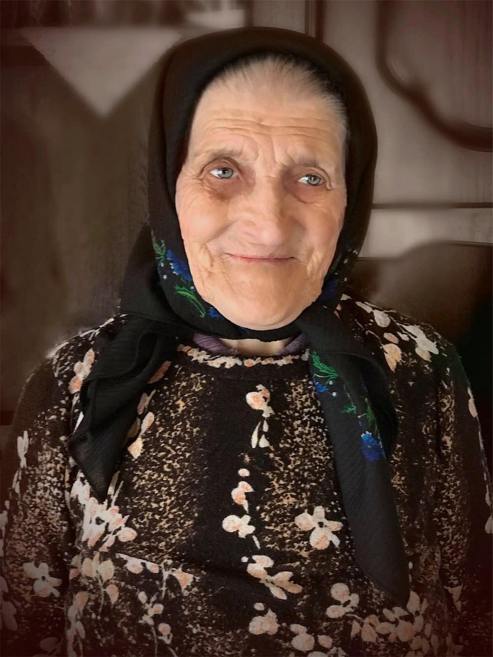 Portrait Iliana Miholca, Transylvania