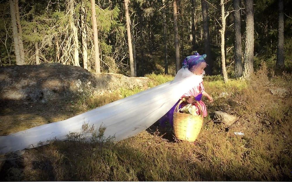 Sagoinspelning Tyrestaskogen för barnkanalen på www.malinstoryteller.com