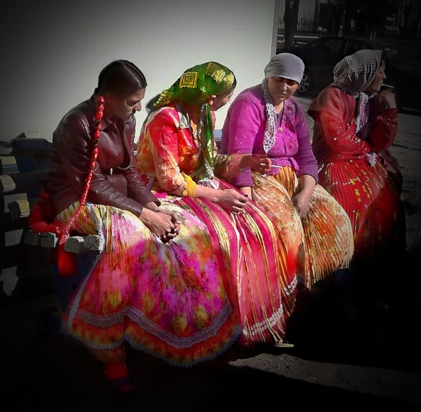 Romani women in Transylvania, Romania
