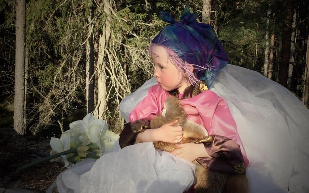 Sagoinspelning Tyresta Nationalpark för Måndagsbarnkanalen